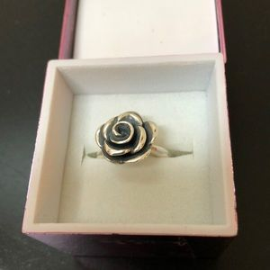 James Avery 925 sterling silver Rose ring
